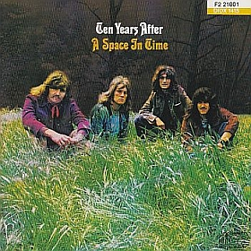 TEN YEARS AFTER / A SPACE IN TIME の商品詳細へ