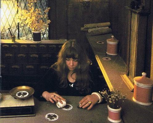 サンディ・デニーが好きな人におすすめ。英国らしい陰影をたたえた女性シンガー特集。
