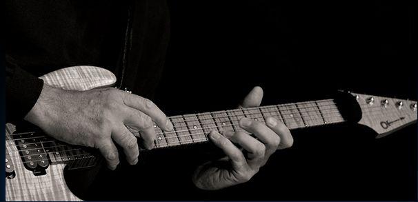 泣きのギターが堪能できる各国プログレ・セレクション☆