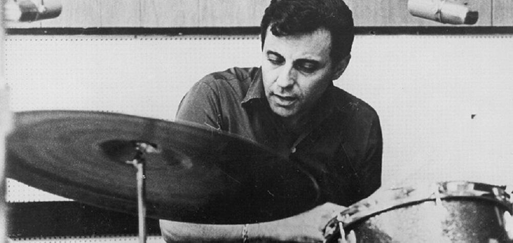 ハル・ブレインがドラムを叩いている楽曲をピックアップ。