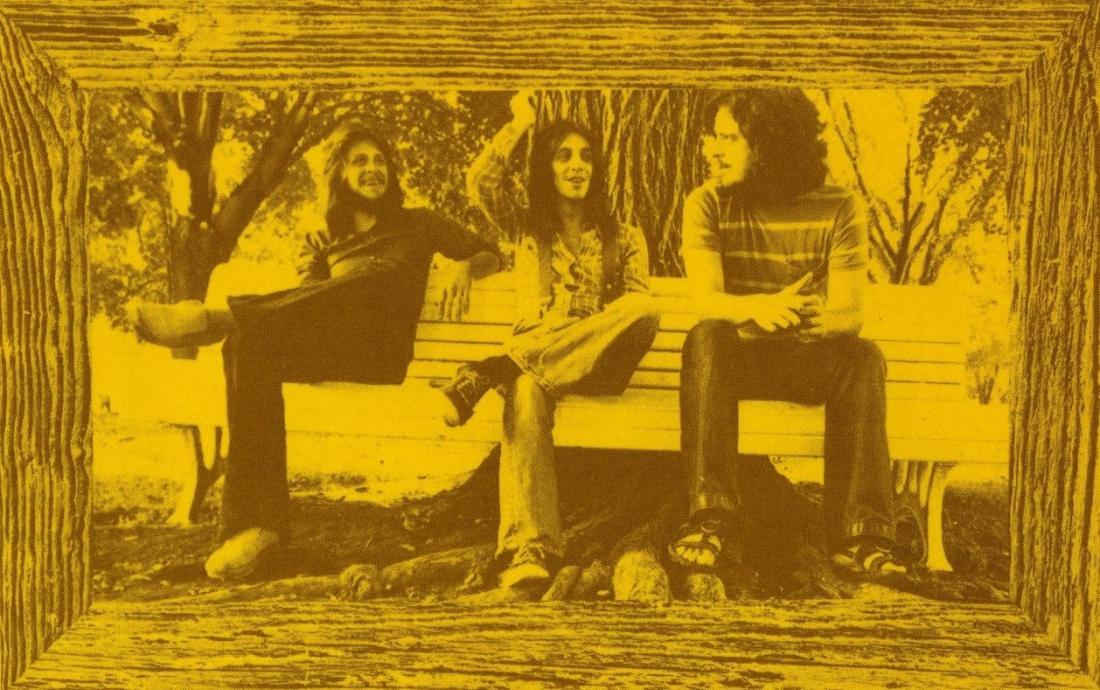 【ユーロロック周遊日記・番外編】センチメンタルなメロディが印象深いケベック産フォーク・ロック名盤、HARMONIUMの74年1st『HARMONIUM』
