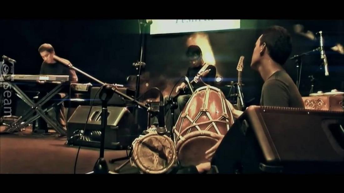 インドネシアン・ジャズ・ロックの筆頭格、SIMAK DIALOGの2013年作『6TH STORY』がリリース