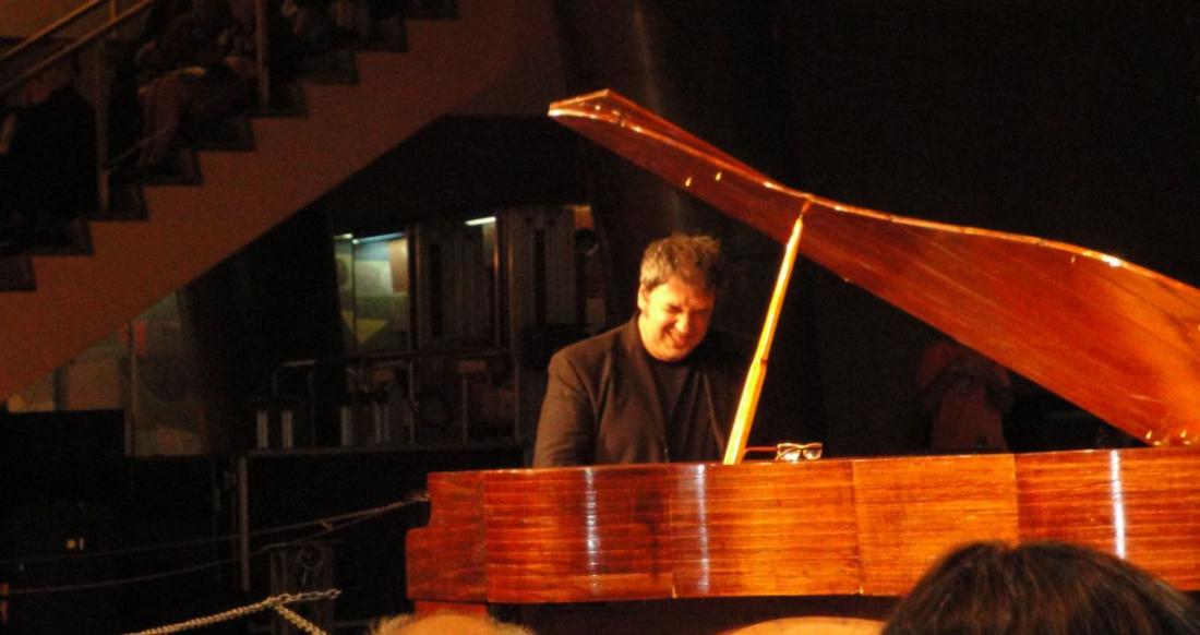 アルゼンチンの天才鍵盤/マルチ奏者LITO VITALEの13年作『FEDERAL TANGO』