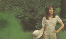 「そのへんのお姉さん」風女性ボーカル作品を3枚ピックアップ。