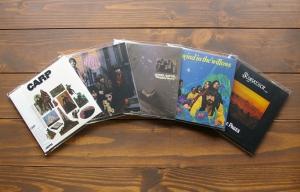韓国BIG PINKレーベルよりスワンプロックCARP、英国フォークロック名盤STORYTELLERなどリイシュー!