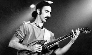 米音楽サイトULTIMATE CLASSIC ROCKが選んだ、フランク・ザッパのアルバムTOP10