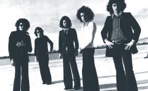 【ユーロロック周遊日記】イタリアのフォーキーな歌ものプログレ名品、GRUPPO2001の72年唯一作『L'ALBA DI DOMANI(新世代の夜明け)』
